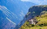Cañón de Colca - Puno. Conoce uno de los cañones más profundos del mundo - Perú Gran Viaje Lo mejor de Perú