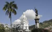 Quito – Mitad del Mundo - Otavalo. Quito da la bienvenida y nos cuenta sus secretos, atención, ¡nos vamos a la Mitad del Mundo! - Ecuador Gran Viaje Descubrimiento del Ecuador