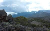 De Machame Camp (2.834 m) a Shira Camp (3.749 m).  Bienvenido al páramo alpino - Tanzania Gran Viaje Ascensión al Kilimanjaro: Ruta Machame