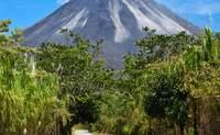 Parque Nacional Tortuguero - Volcán Arenal. El Volcán Arenal, una imagen de postal - Costa Rica Gran Viaje Esencias del Trópico y Guanacaste