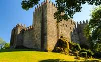 Oporto – Guimaraes – Valle del Duero Central – Vila Real - Coimbra. Una jornada entre calles medievales y sensacionales viñedos - Portugal Circuito Todo Portugal: de Oporto a Lisboa