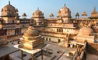 Agra – Jhansi  – Orchha – Khajuraho . Recorriendo los caminos más apasionantes de la India - India Gran Viaje Sensaciones auténticas y Nepal